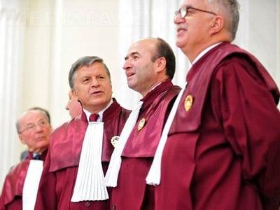 curtea-constitutionala-judecatori-avocat