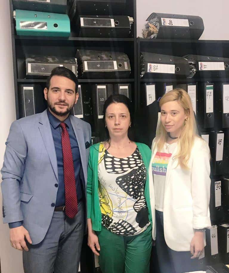 Doamna Tanasescu alaturi de colega noastra av. Catalina Morenciu.